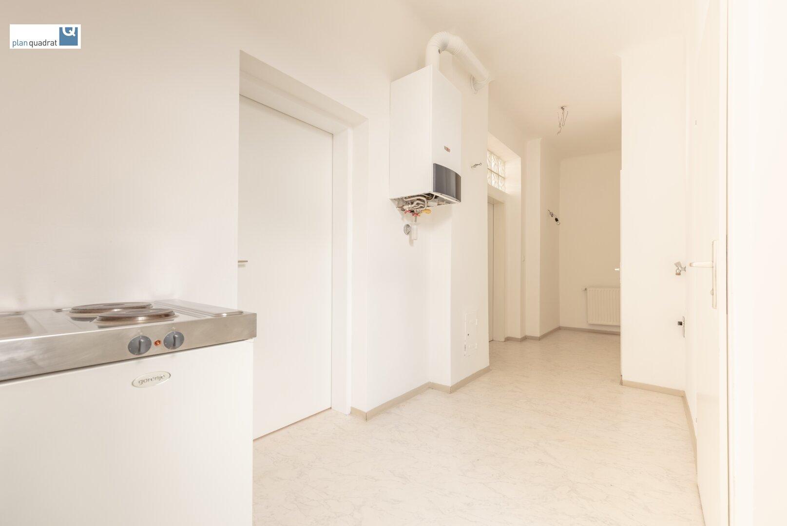Vorraum (ca. 6,80 m²) / Küchenraum (ca. 4,20 m²)