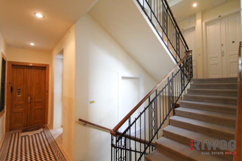 Möblierte 3 Zimmer ALTBAUWOHNUNG mit kleinem BALKON, schönes Haus, gute Lage /  / 1180Wien / Bild 2