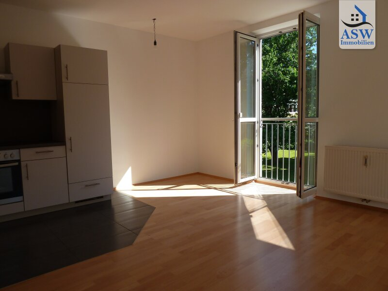 Sehr schön ausgestattete 3 Zi Wohnung mit Blick ins Grüne - nahe Schillerplatz, Universitäten u. Zentrum!! auch WG geeignet.