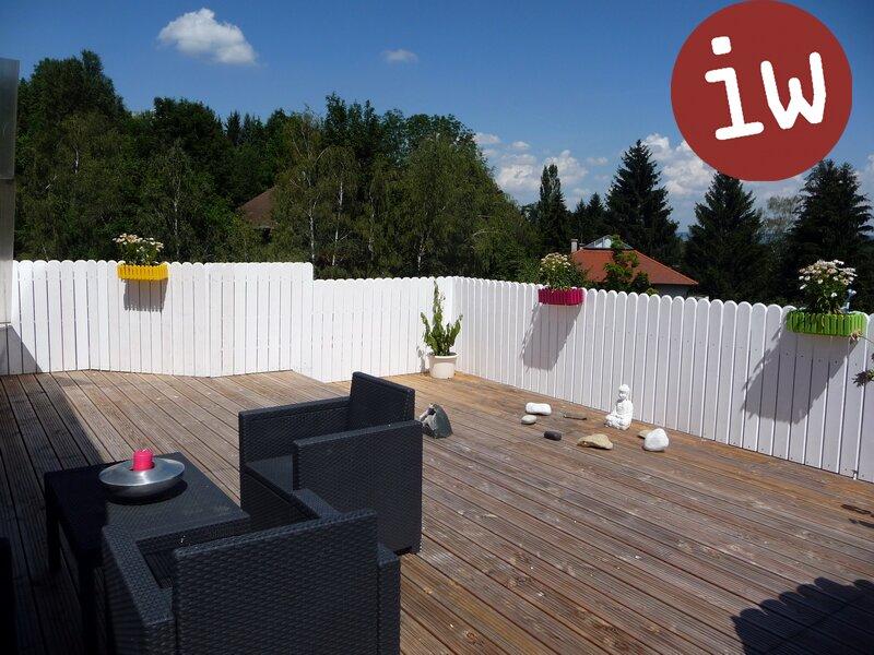 Großzügige Dachterrassenwohnung in Grünruhelage Objekt_372
