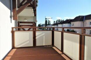 Helle Balkon-Wohnung, mit eigenem Garagenplatz
