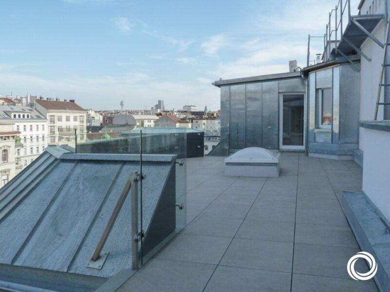 1050// Großzügige Maisonette-Dachgeschosswohnung mit Terrasse und viel Lebensgefühl! /  / 1050Wien / Bild 1