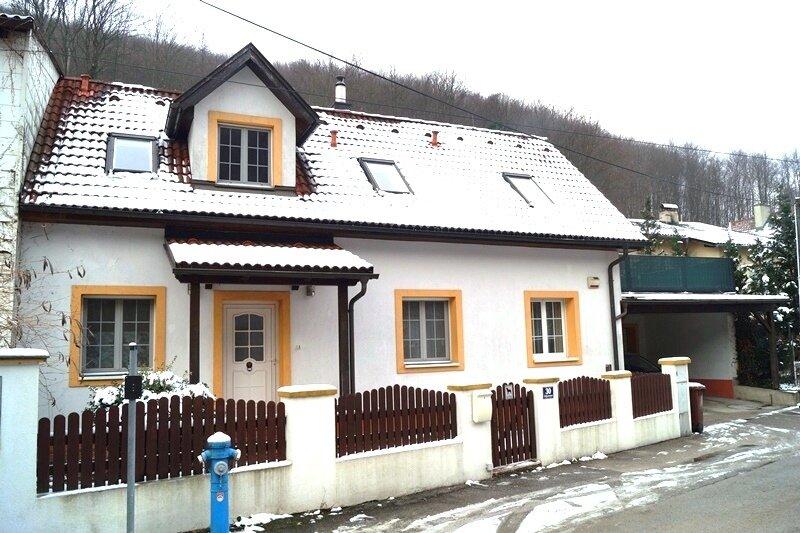 Top ausgestattetes Luxus-Landhaus mit Patio und Pool in ruhiger Wienerwald Lage
