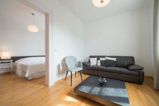 Moderne, möblierte Zweiraumwohnung nach Generalsanierung in Grinzinger Jugenstilvilla.