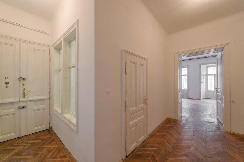 ++NEU++ Sanierungsbedürftige Stilaltbauwohnung in aufstrebender Lage! 4-Zimmer möglich! /  / 1150Wien / Bild 10