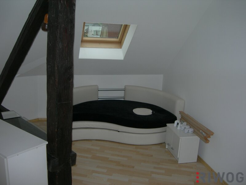 +++++ Altbauwohnung im Dachgeschoss in Kreuzbergl zu MIETEN +++++