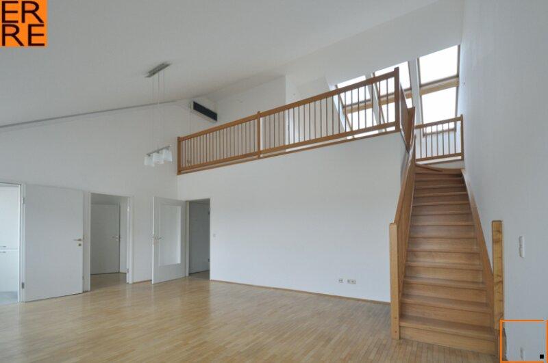 helle 2,5-Zimmerwohnung mit Galerie bei U3 Ottakring