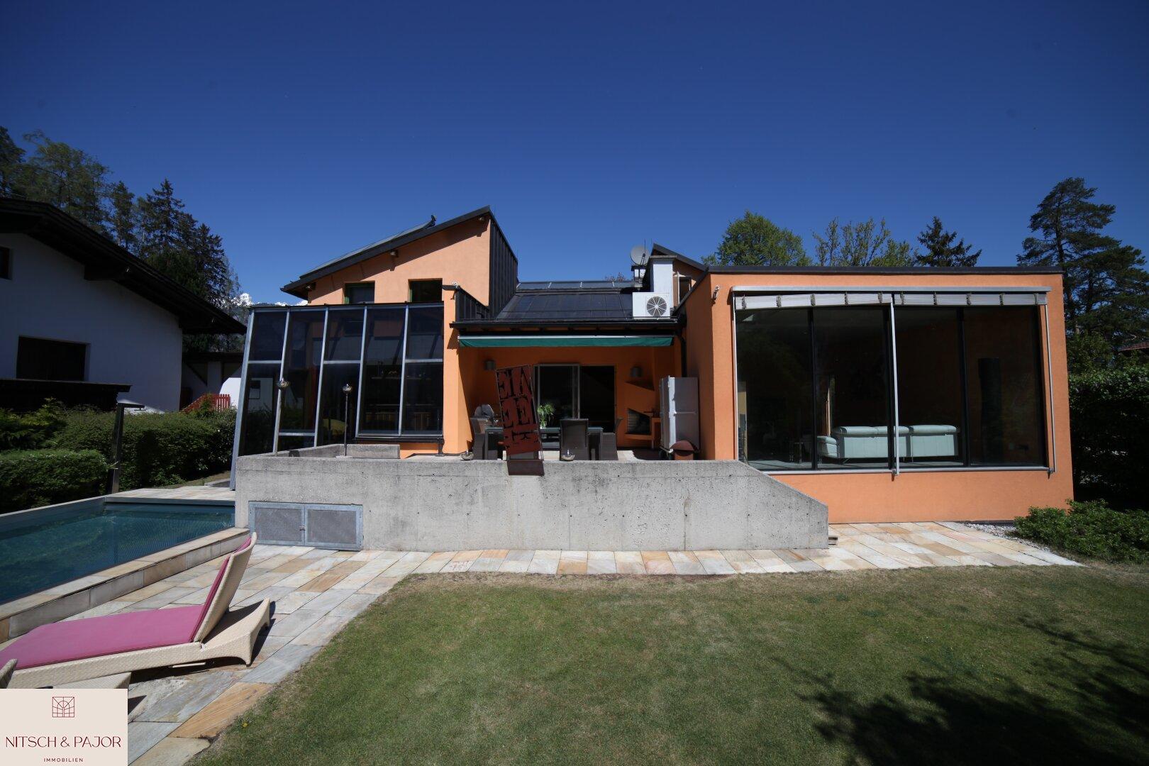 Blick von Garten aufs Haus