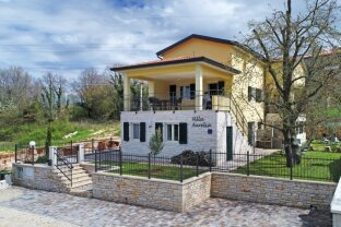 Zwei wunderschöne, neu erbaute Ferienhäuser in Kroatien