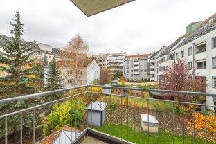 unbefristet - großzügig geschnittene 2-Zimmer-Wohnung mit Balkon