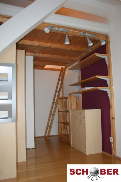 Sonniges Dachgeschoß - 3 getrennt begehbare Zimmer! /  / 1160Wien / Bild 4