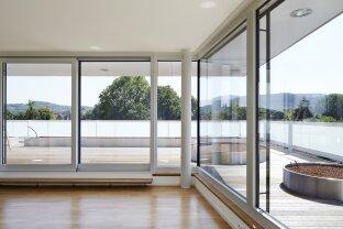 SONNIGE WOHNUNG MIT 100 m²-TERRASSE IN MODERNEM ARCHITEKTENHAUS