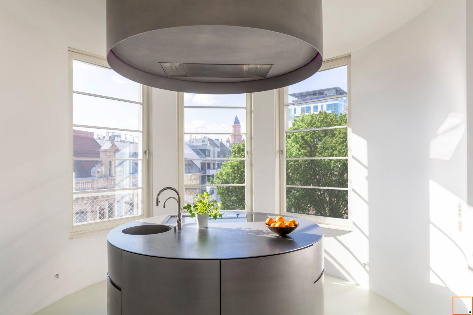 Designer-Küche mit Baum