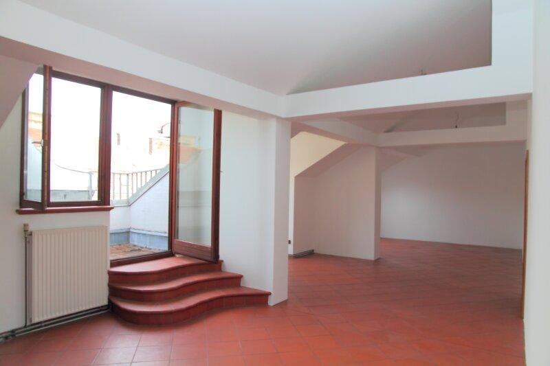 8. Bezirk, Dachterrassenwohnung mit ca.54,5 m² Wohnsalon und  6 m² Terrasse