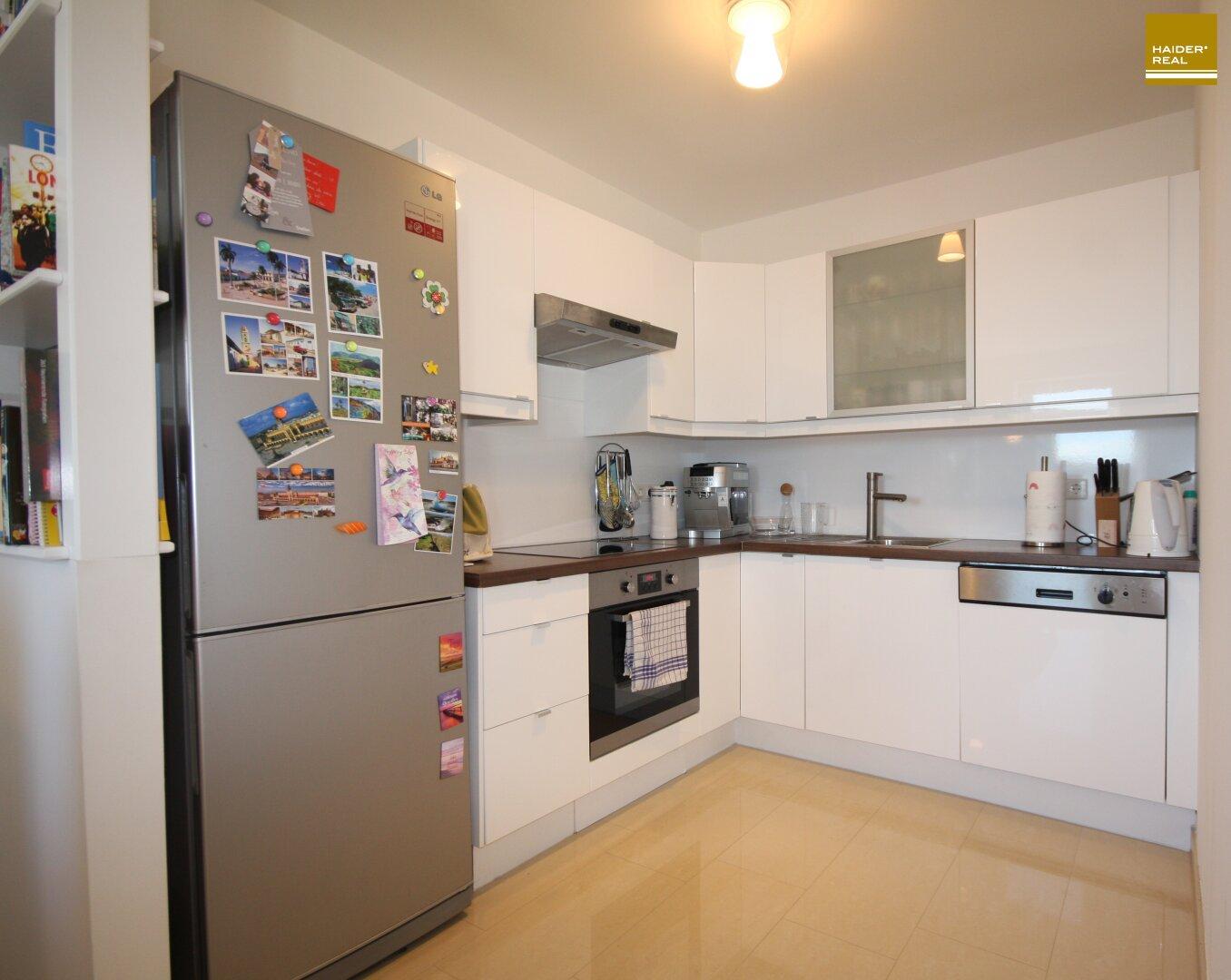 Küche weiß Hochglanz 6,1 m²