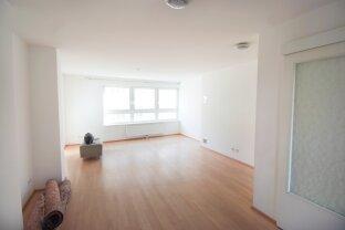 sanierte 3 Zimmer-Neubauwohnung mit Loggia und schönem Blick