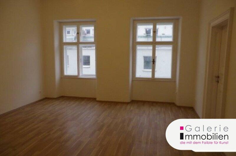 Zentral begehbare 2-Zimmer-Altbauwohnung direkt bei der U4 Kettenbrückengasse Objekt_29036