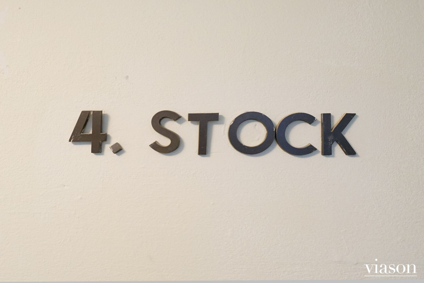 4. Stock