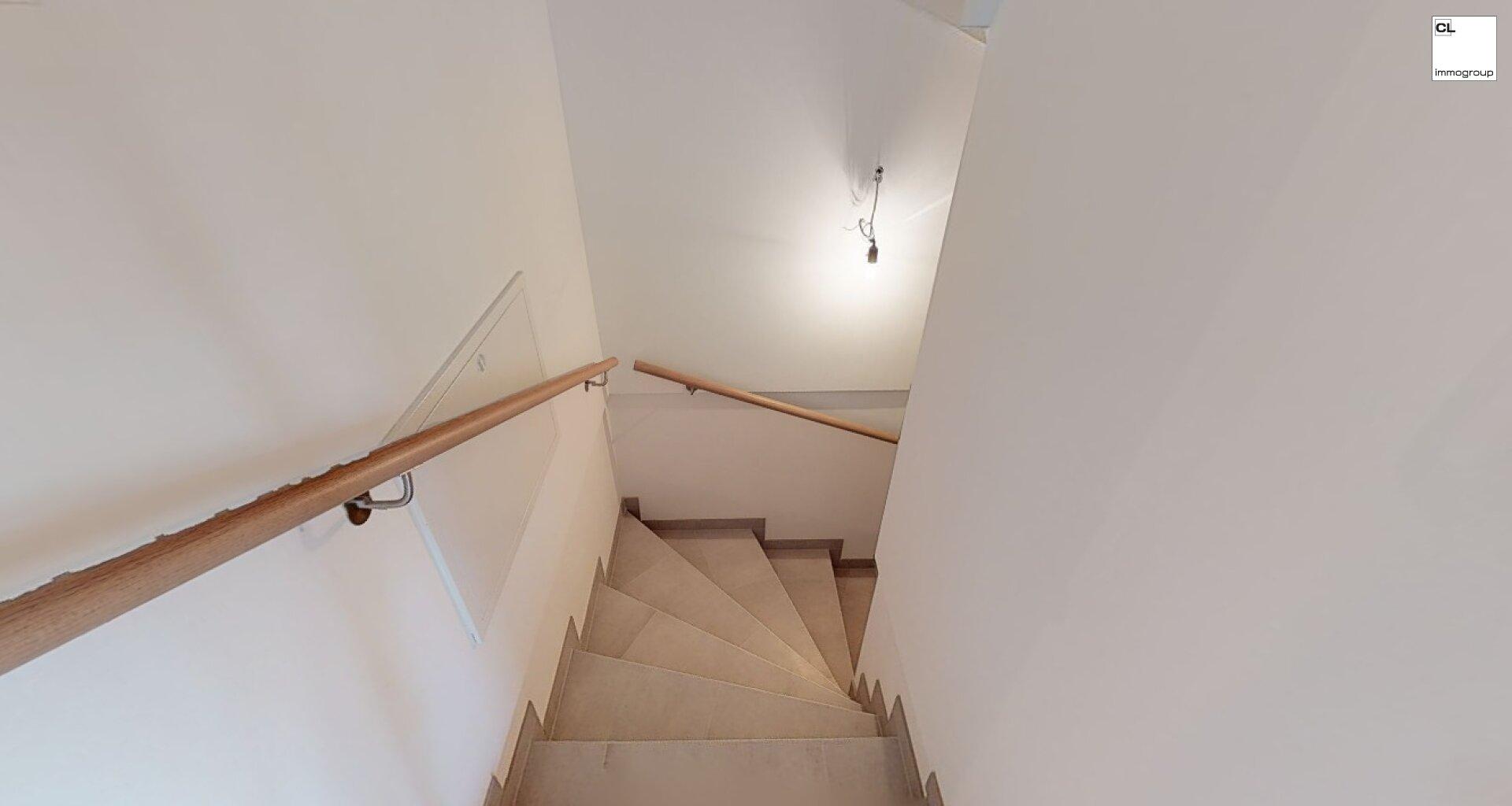 Treppen zum Keller Demo