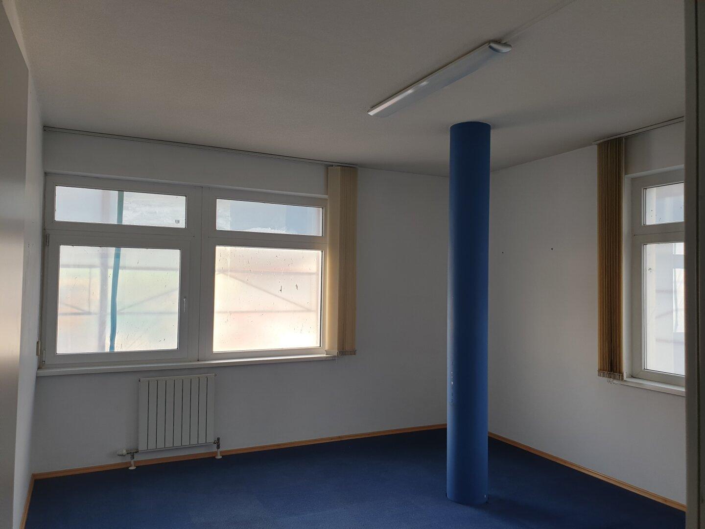 Büro 4