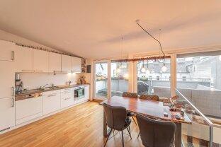 außergewöhnliche DG-Maisonette Wohnung mit Balkon & Terrasse!! - ab 01.12. beziehbar!