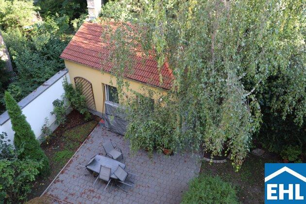 Mit Blick auf das Schloss Hetzendorf: 2-Zimmerwohnung in familiärem Wohnhaus