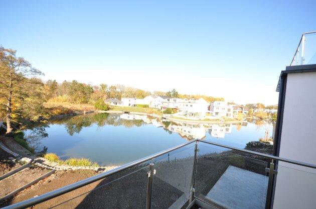 Foto von !NEU! Einfamilienhaus mit direktem Zugang zum Badesee!!