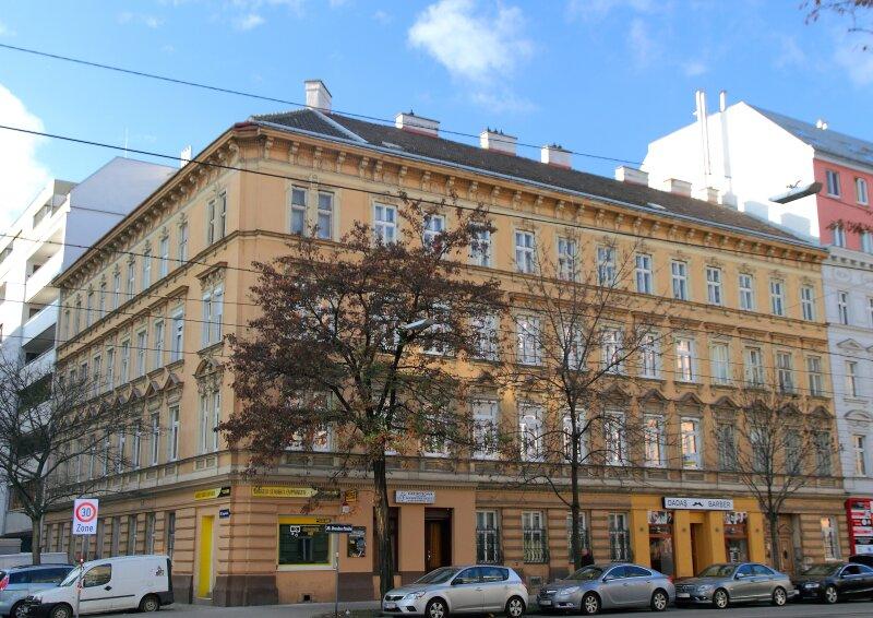 KOMPLETT SANIERTE 1-Zimmer-Wohnung direkt bei U6 Dresdner Straße!