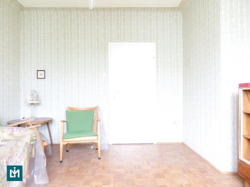 Sanierungsbedürftige, ruhige 2 Zimmer Wohnung mit guter Raumaufteilung