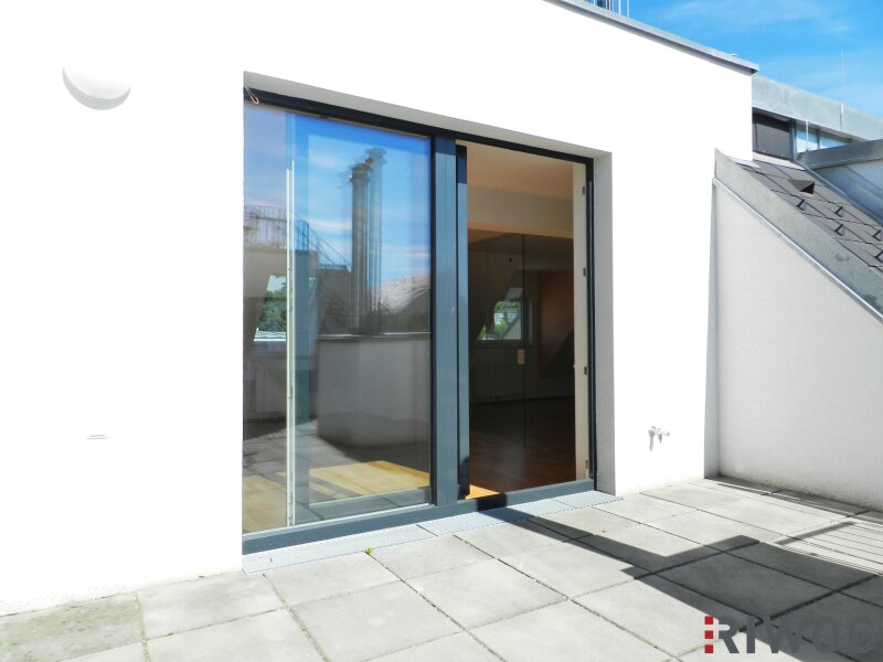 Im Herzen Hetzendorfs - Dachgeschoss-Wohnung mit zwei Terrassen und traumhaften Weitblick   inkl. Stellplatz /  / 1120Wien / Bild 2