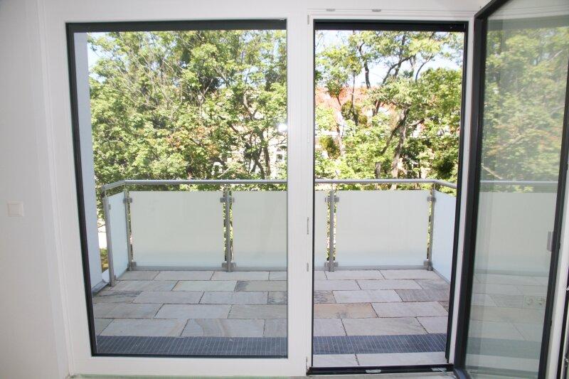 Terrasse  U N D  2 Balkone!! 30m²-Wohnküche + Schlafzimmer, 3.Stock Bj. 2017, Obersteinergasse 19 /  / 1190Wien / Bild 4