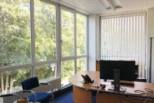 Großraumbüro mit großer Fensterfront - behindertengerechter Fahrstuhl - nahe Gericht - Salzburg Süd