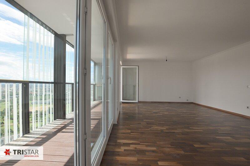 NEU++Atemberaubende Blick auf Wien++Wienerberg City++ 3 bzw. 4-Zimmerwohnung mit Südseitige Loggia++Fitness & Wellnessbereich direkt im Haus++ /  / 1100Wien / Bild 4