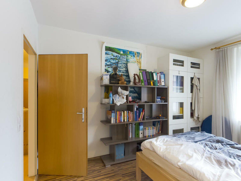 Elternschlafzimmer mit Schrankraum