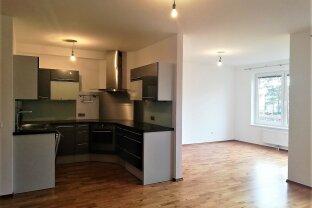 DB Immobilien  -  Gemütliche Familienwohnung mit Balkon !!!