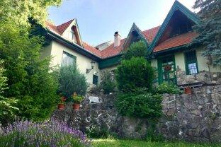 Herrliches Familienhaus in  Grünruhelage mit Panoramablick
