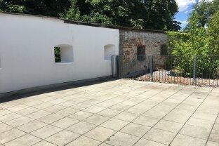 VERMIETET!!! Sonnige 2-Zimmer-Wohnung mit großer Terrasse und Loggia