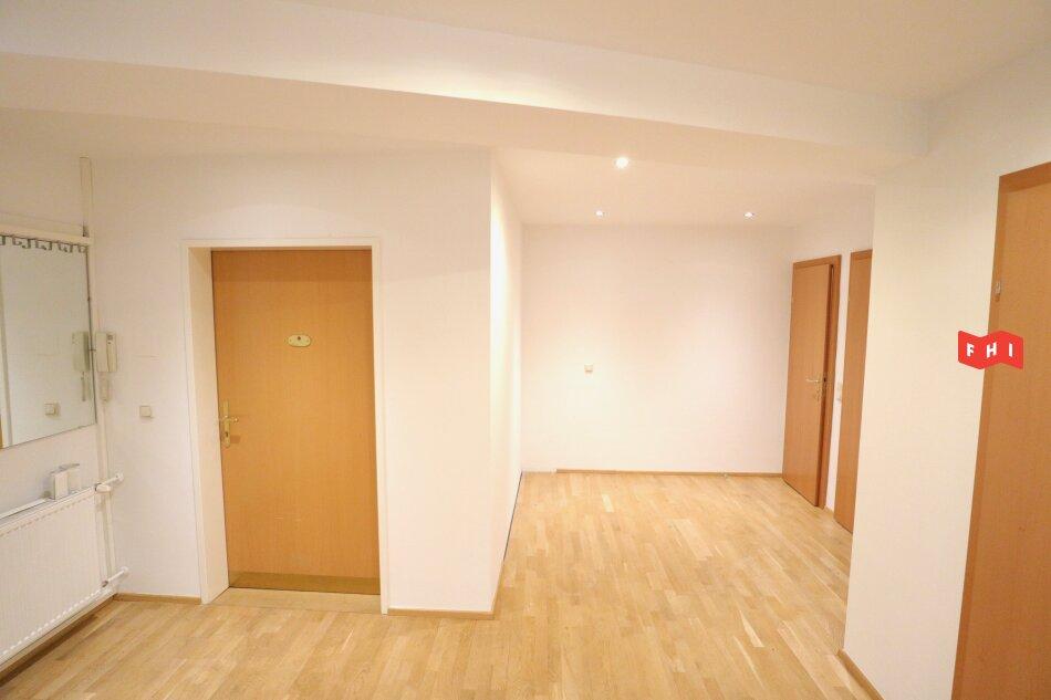 Helle Wohnung mit zwei Terrassen