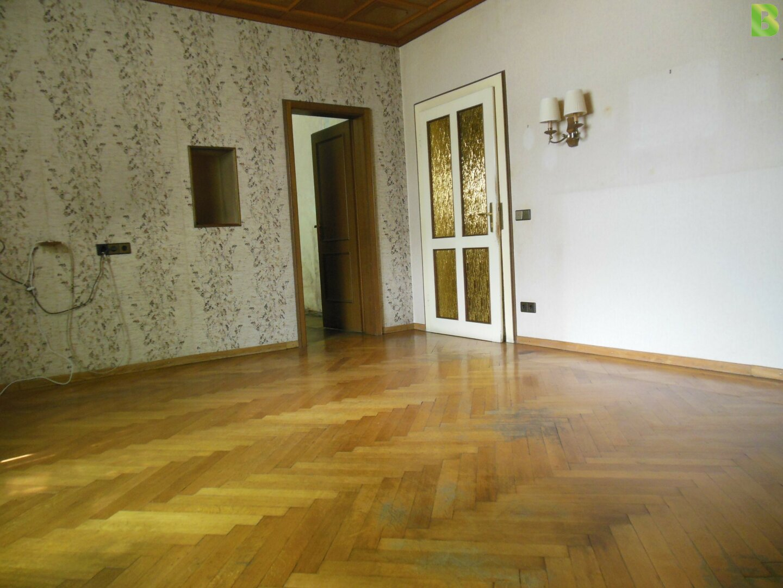 Wohnzimmer mit Echtparkett