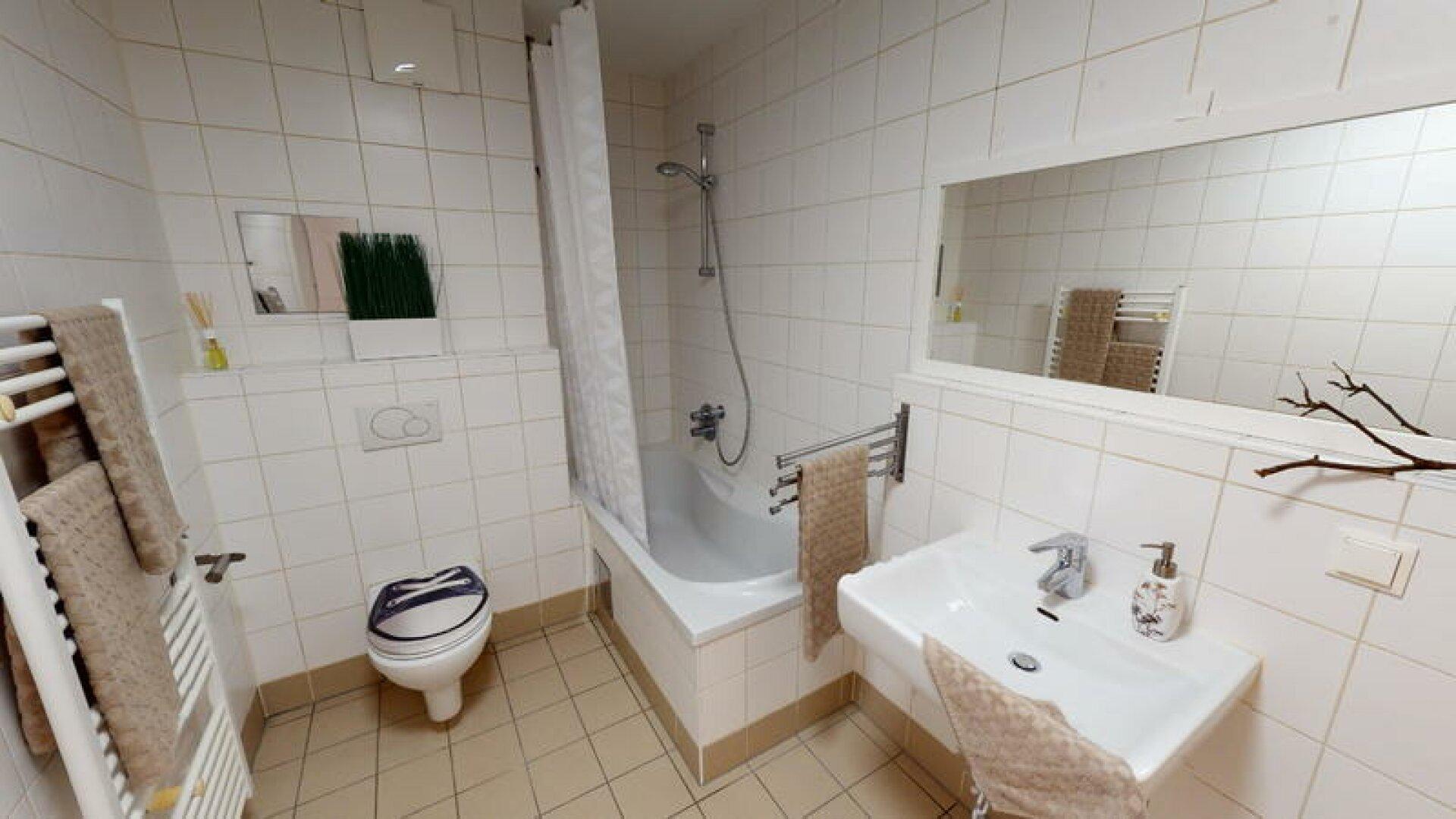 Schuttaustrae-50-Bathroom2