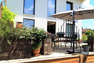 Der Sommer kann kommen! Wohnen im Grünen mit Pool und Garten