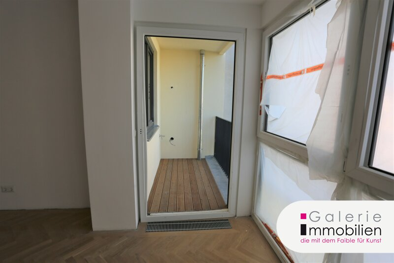 Topsanierte sehr helle Altbauwohnung mit Loggia in generalsaniertem Gründerzeithaus Objekt_33392