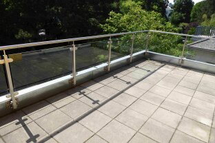 FRISCHLUFTLIEBHABER AUFGEPASST: 2 Zimer Dachterrassenwohnunug mit. 29 m2 Terrassen in Lainzer Grünruhelage!