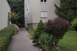 Topgrünruhelage, 2 Zimmer, Küche, Allgemeingarten, WG-geeignet. Bestlage!