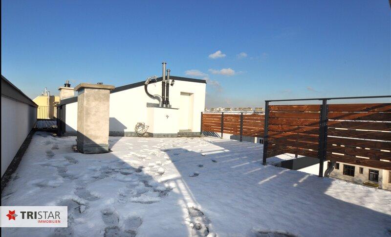 ++NEU++ 3-Zimmer-Dachgeschoßwohnung mit großer Dachterrasse im Generalrevitalisierte Altbau-Haus ++Nähe U-Bahn (U3) +++ /  / 1150Wien / Bild 9