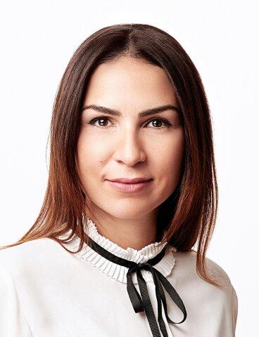 Julianna Kainz, BA