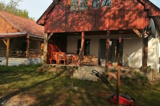Schnäppchen: Ferienhaus 300 m bis zum Balaton nähe Keszthely mit Terrasse und Garten