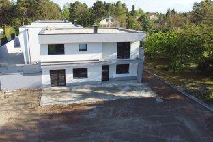 Traumhaftes Einfamilienhaus mit 640 m² Garten und 213 m² WohnNutzfläche -  Garage und Keller