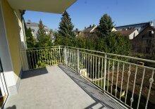 Sonnige  großzügige Mietwohnung in Zweifamilienhaus mit Gartenbenützung