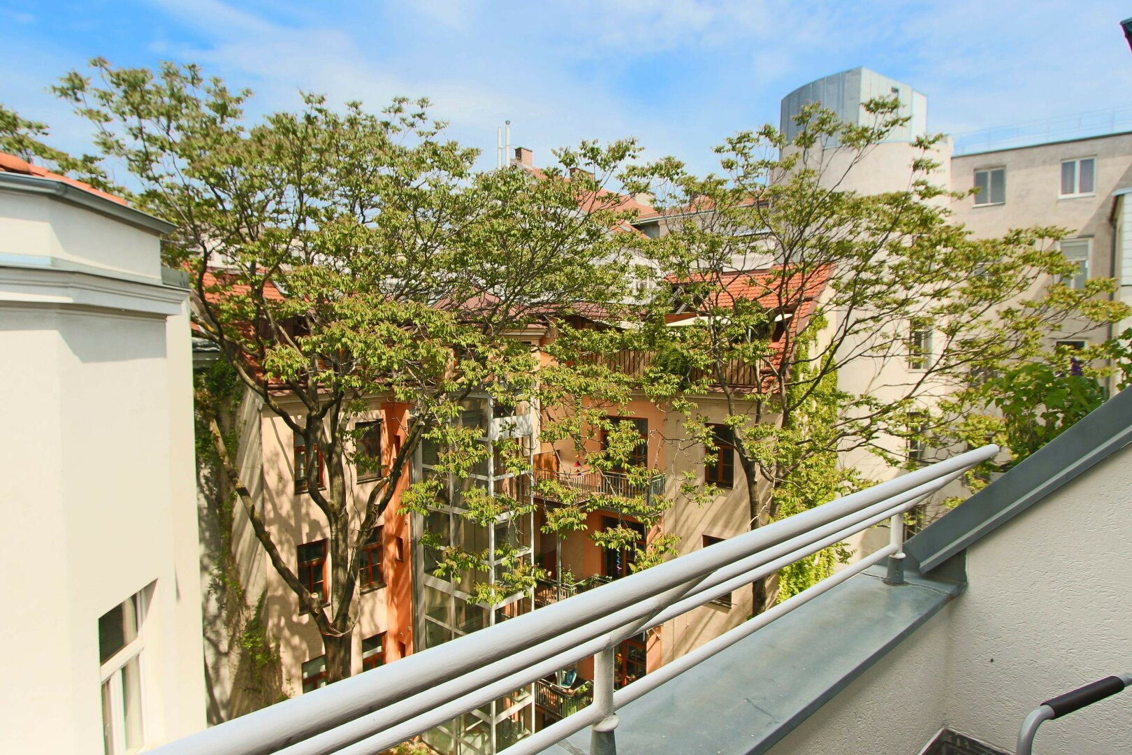 Blick Balkon / Innenhof